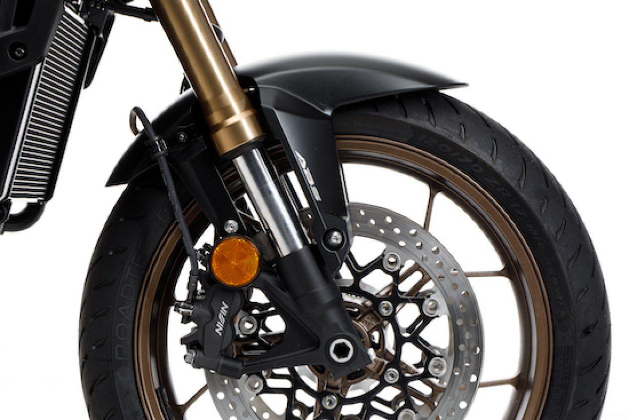 Motorbikes, spokes, technologies, traction control, wheel stability