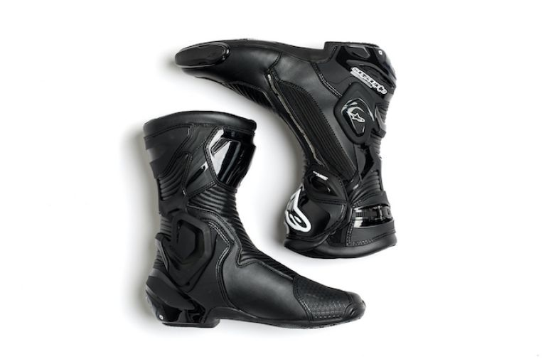 Motorbikes, gear, spokes, protective gear, boots