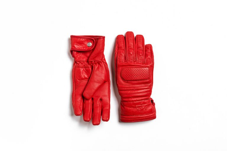 Motorcycle gear, gloves, style rider, female rider